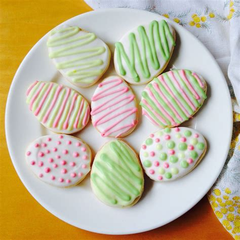 Sugar free desserts for easter / sugar free and naturally sweetened desserts del s cooking twist : Gluten Free Easter: Vanilla Sugar Cookies with Royal Icing   Gluten free easter, Vanilla sugar ...
