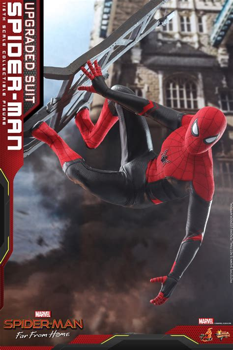 hot toys upgraded suit spider man   home figure