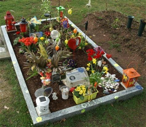 Olav Wir Garten Im Herbst by Grab