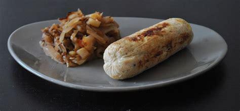 cuisiner les andouillettes recette compotée de chou blanc au cidre et boudin blanc