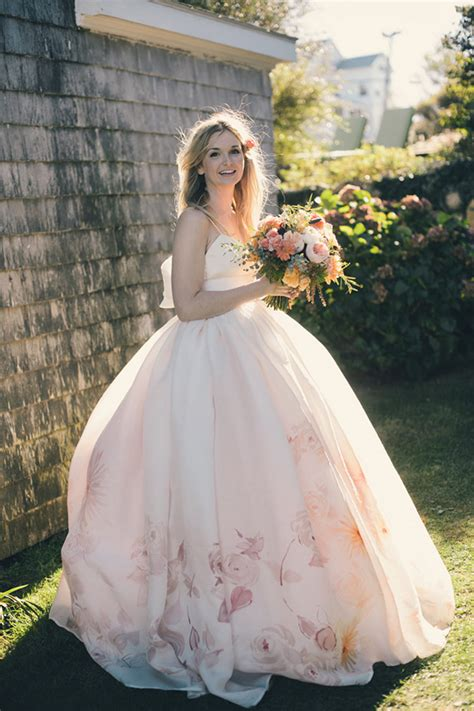 21 Beautiful Floral Wedding Dresses To Inspire
