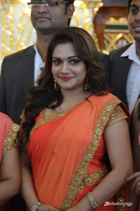 Rimi Tomy latest photos in saree from Muktha Marriage ...