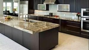 Plan De Travail Marbre Noir : un plan de travail en marbre dans la cuisine ~ Dailycaller-alerts.com Idées de Décoration