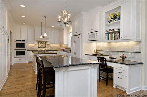 classic white kitchen cabinets białe meble kuchenne najmodniejsze rozwiązanie 5436