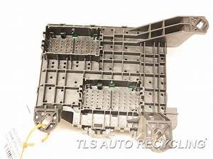 2017 Gmc Yukon - Fuse Box 84114438 - Used