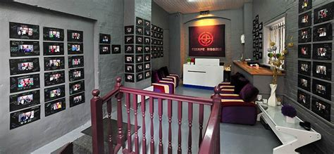 Escape Rooms New High Tech Live Escape Game  Hyhoihave. Homestyles Kitchen Island. Led Pendant Lighting For Kitchen. Movable Kitchen Island With Breakfast Bar. Ceiling Kitchen Light. Kitchen Ceiling Lights Ideas. Spanish Wall Tiles Kitchen. Kraftmaid Kitchen Islands. Industrial Kitchen Island