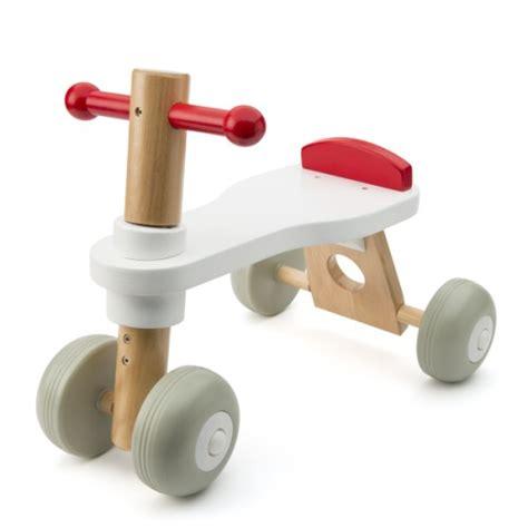 oxybul cuisine en bois porteur bois trotibul création oxybul pour enfant de 1 an