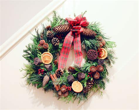 make christmas wreath diy how to make a christmas wreath albert and me