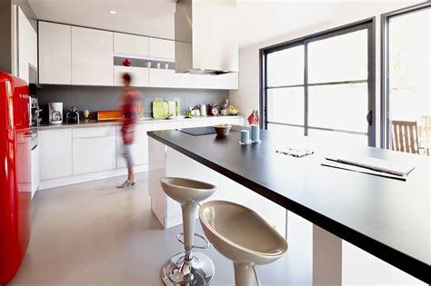 cuisine ilot central cuisson maison bois l33 domozoom com