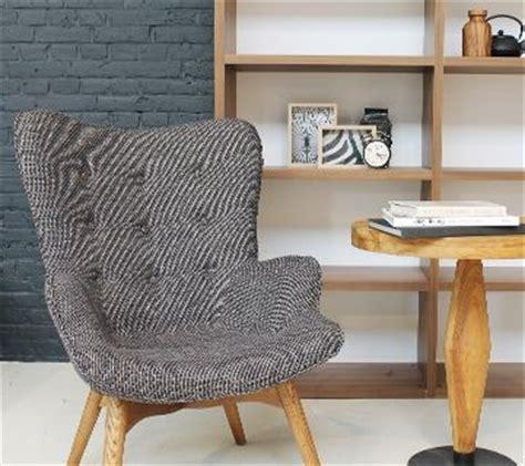 woonkamer ideeen on pinterest knitted pouf ranunculus