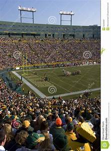Game Day At Lambeau Field, Green Bay Packers NFL Editorial ...