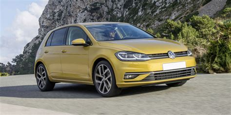 Golf Reviews by Volkswagen Golf Review Carwow