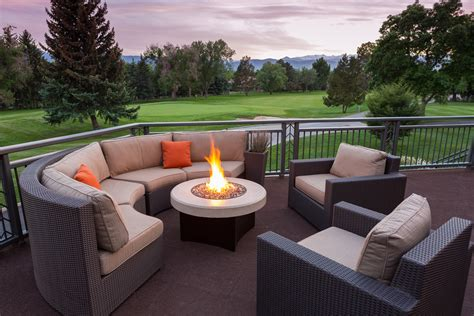 outdoor sectional 5 pieces including gas pit