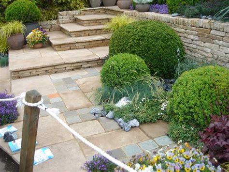 giardini piccoli immagini immagini aiuole terrazzi e giardino