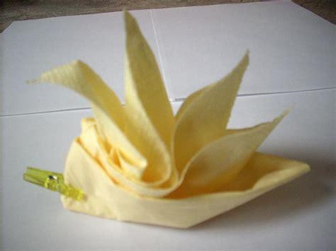 fleur jaune pliage serviette cr 233 ations serviettes en papier de 12 n 176 36488 vue