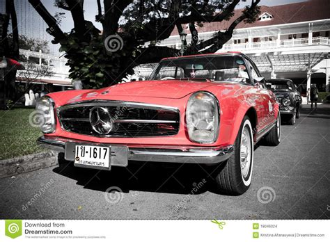 Mercedes Benz Sl Pagode On Vintage Car Parade Editorial