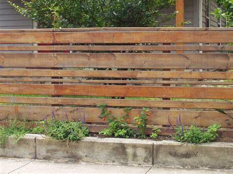 recinzioni di legno per giardini image x recinzioni per giardino with palizzate