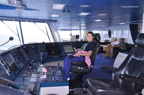 Cabina Di Comando Nave Islanda Low Cost Con Smyril Line A Bordo Della Norrona