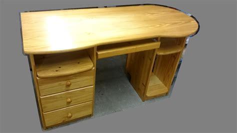 bureau avec tiroirs bureau avec tiroirs réglette informatique pin massif