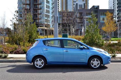 2013 nissan leaf may get range boost cheaper base model digital trends