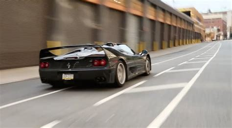 They say that the paint on both cars were so thin that you. Engine Sound : Black Ferrari F50 in NYC (Vidéo) De l ...