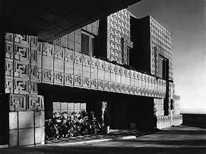 Frank Lloyd Wright Architektur : wrights fassadenrelief als akustikwand von offect detail magazin f r architektur baudetail ~ Orissabook.com Haus und Dekorationen