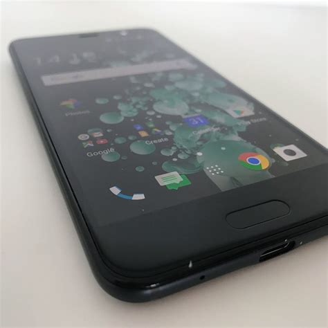htc u play review theinquirer