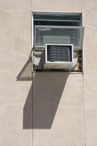 fill  gap   air conditioner   casement window homesteady