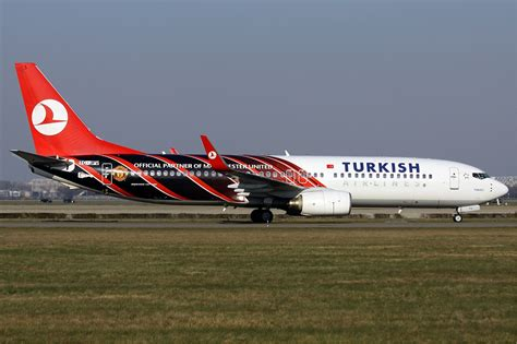 file turkish airlines manu boeing 737 800 wadman jpg wikimedia commons