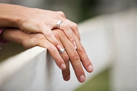 Be aware, though, wearing a signature ring is not a statement everyone will get. Engagement Ring Engagement Holding Hands Couple Pictures ...