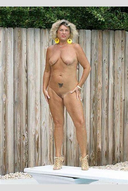 Mature Sex   Standing Mature Nude Fantasy Women