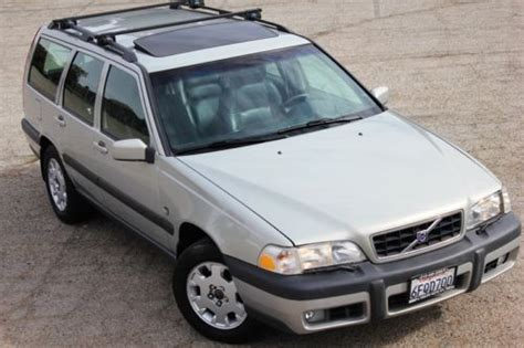 purchase   volvo  xc wagon cross country