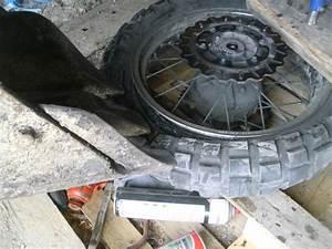 Changer Valve Pneu : comment changer un pneu comment changer un pneu tuto youtube comment reparer une roue de ~ Medecine-chirurgie-esthetiques.com Avis de Voitures