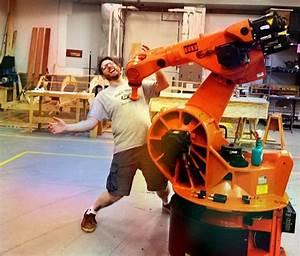 Hello Kuka! Milwaukee Makerspace