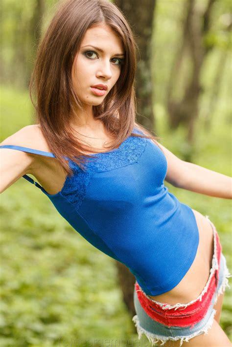 Teens Model In Short Gallery Porn Videos