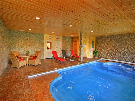 smoky mountain cabins with indoor pools splashing cabin in pigeon forge w 2 br sleeps6