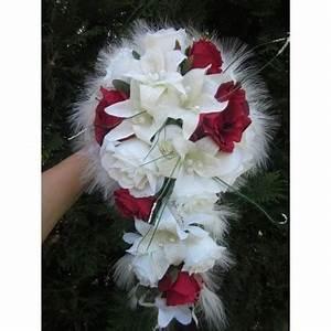 Bouquet de Mariée Tombant avec des lys, des roses et des
