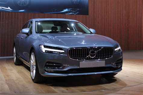 volvo  preview