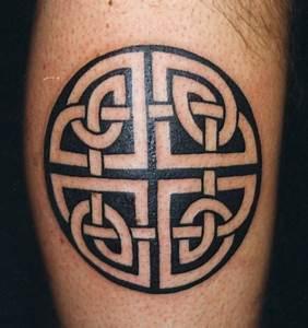 Croix Tatouage Homme : tatouage homme celtique ~ Dallasstarsshop.com Idées de Décoration