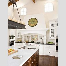 Tuscan Kitchen Decor  Better Homes And Gardens  Bhgcom