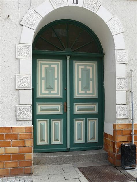 cool front door designs shelterness