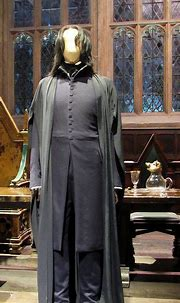 HP023 | Harry potter costume, Making of harry potter ...