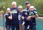 Anna Faris spotlights her Edmonds family and famous hubby ...