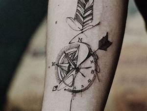 Dessin Fleche Tatouage : 1001 mod les de tatouage homme uniques et inspirants tattoo arrow tattoos arrow compass ~ Melissatoandfro.com Idées de Décoration