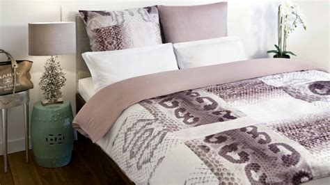 piumoni matrimoniali eleganti trapunte eleganti per una da letto chic dalani e