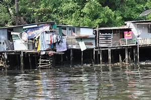 Günstige Häuser In Thailand : h user auf stelzen im verschmutzten wasser thailand bilder und fotos creative commons 2 0 ~ Orissabook.com Haus und Dekorationen