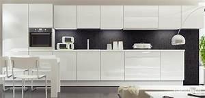 Küchenzeile Weiß Hochglanz : 111045 farbenfrohe designk che mit hochglanz fronten d494 a993 dassbach k chen ~ Indierocktalk.com Haus und Dekorationen