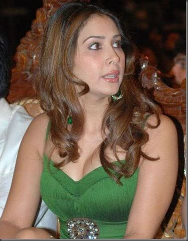 Actress Gallery Kim Sharma Cool Pictures