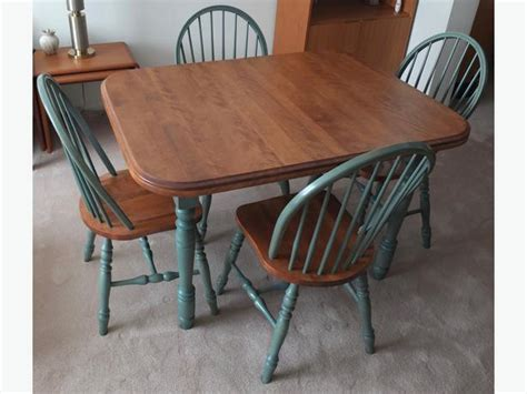 Solid Wood Kitchen Table With Matching Chairs Nepean, Ottawa