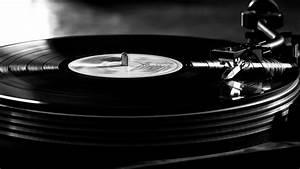 Vintage Vinyl Record Player Wallpaper - HD Wallpapers